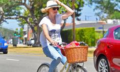Знаменитости заменили авто велосипедом и не прогадали!