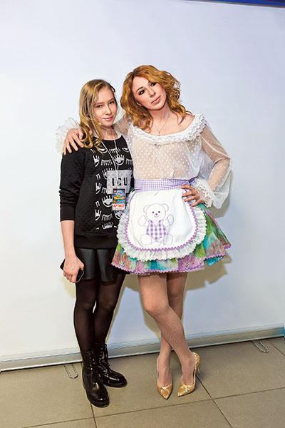 Алена Апина с дочкой
