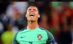 Плач Криштиану: Роналду разрыдался на футбольном поле