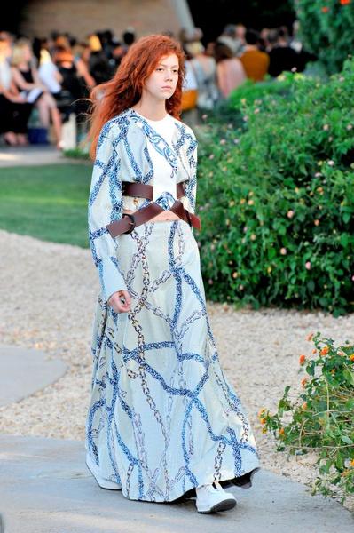 Показ круизной коллекции Louis Vuitton в Палм-Спринг   галерея [1] фото [26]
