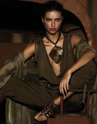 Адриана Лима (Adriana Lima) в рекламной кампании DKNY сезона весна-лето 2012