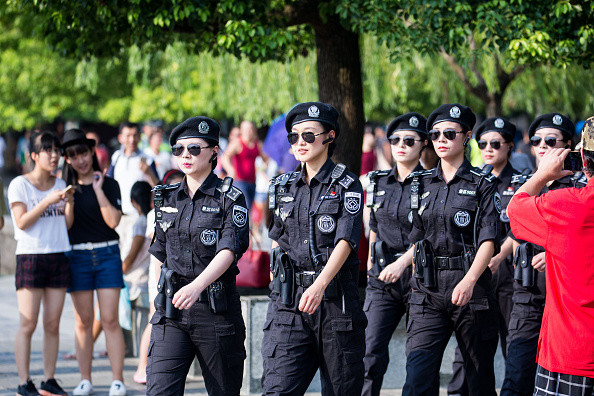 Как устроиться на работу в полицию девушке