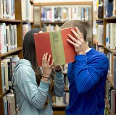 Что дарить на 14 февраля: лучшие книги в подарок
