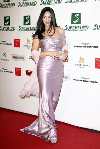 Моника Беллуччи на 4-й международной церемонии Women's World Awards.