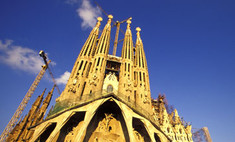 Бенедикт XVI освятил собор Гауди в Барселоне