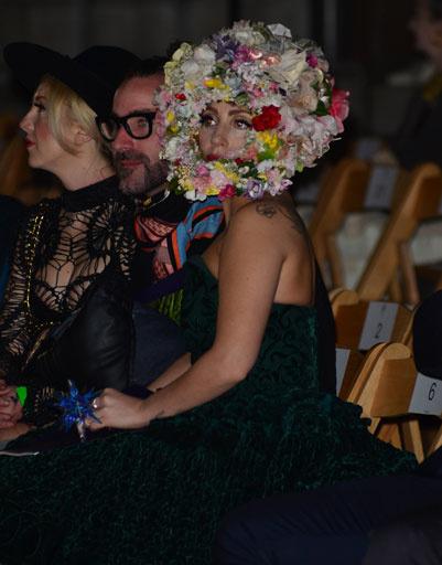 Леди ГаГа (Lady GaGa) на показе Philip Treacy
