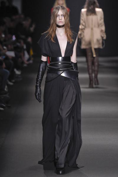 Неделя моды в Париже: 5 марта | галерея [3] фото [7]