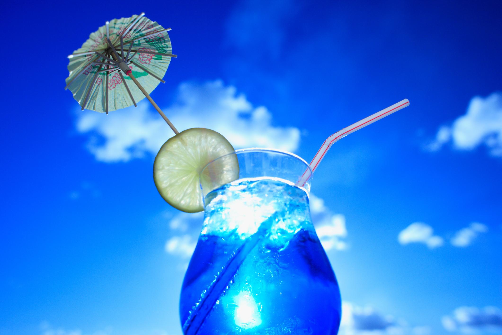 Как сделать коктейль голубая лагуна, рецепт - Рецепты - Wday 89