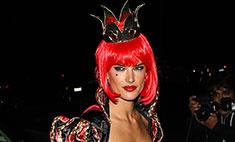 Алессандра Амбросио примерила образ Червовой королевы
