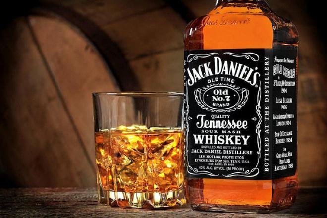 Виски Jack Daniel.