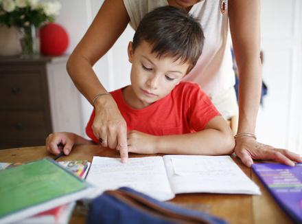 Делать с ребенком уроки не надо И вообще уроки делать не надо картинки