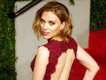Шона Пенна (Sean Penn) видели в ресторане со Скарлетт Йоханссон (Scarlett Johansson)