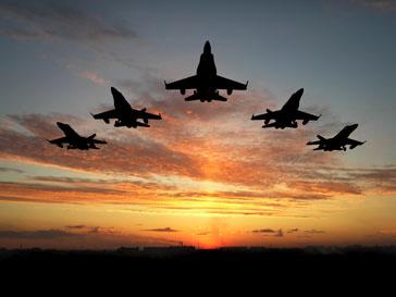 Франция, Великобритания, Катар и ОАЭ могут начать бомбить Ливию в ближайшие часы