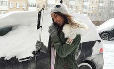 Метель в Москве: как звезды справляются со снегом