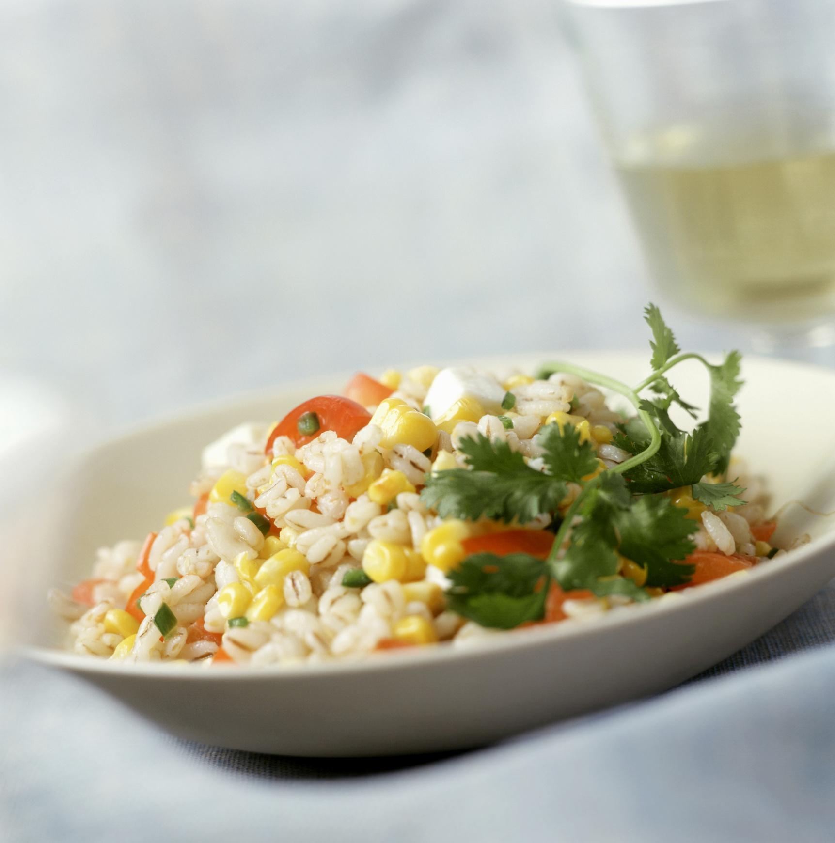 Салат с кукурузой и ананасом и копченой курицей рецепт с пошагово в