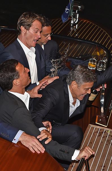 Джордж Клуни с друзьями