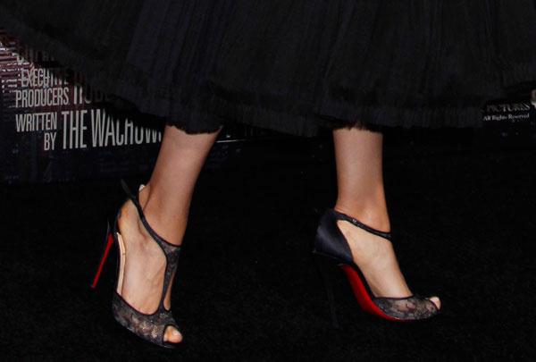 Мила Кунис в туфлях Christian Louboutin
