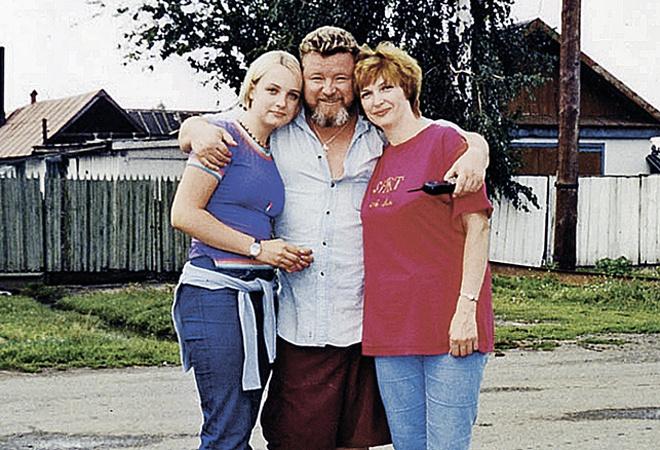 Михаил Евдокимов с женой Галиной и дочерью Аней фото