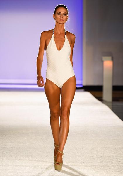 50 самых сексуальных купальников с Недели пляжной моды в Майами | галерея [1] фото [31]