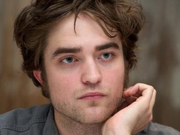 Роберт Паттинсон (Robert Pattinson) завел собаку