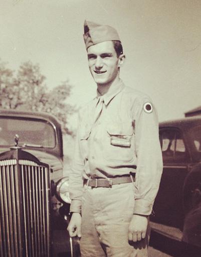 Хью Хефнер в армии