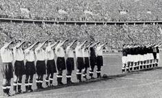фотографии английские футболисты вскидывают руки нацистском приветствии берлин