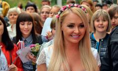 Дарья Пынзарь одолжила свадебное платье у воронежского дизайнера