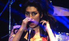 Эми Уайнхаус устроила пьяное шоу на концерте в Белграде
