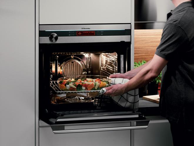 Духовой шкаф с функцией пара от Electrolux