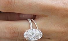 Блейк Лайвли показала обручальное кольцо