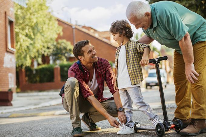 Почему у самовлюбленных родителей вырастают инфантильные дети