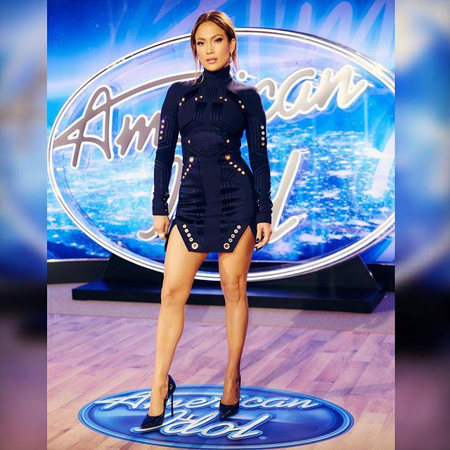Стиль Дженнифер Лопес: платье Mugler