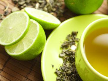 Ученые советуют пить зеленый чай всем, кто имеет дело с компьютерами
