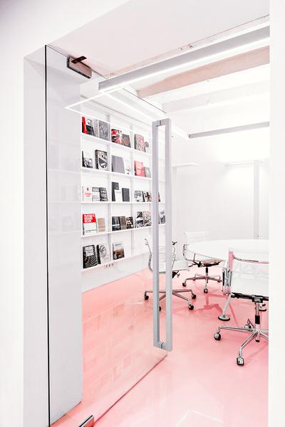 Жизнерадостный интерьер офиса: проект в деталях | галерея [1] фото [11]