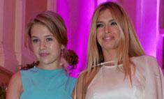 Стиль звезд: Вера Брежнева вывела дочь в свет
