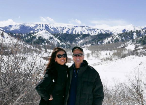 Кэтрин Зета-Джонс и Майкл Дуглас отметили романтическую дату