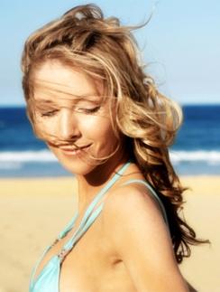 Летние бьюти-процедуры должны подготовить кожу к загару.