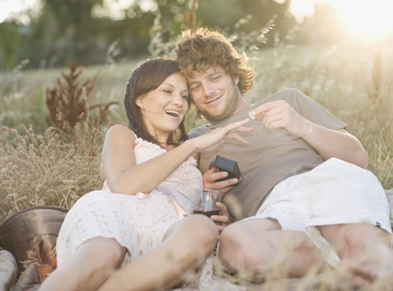 Стоит ли идти замуж?