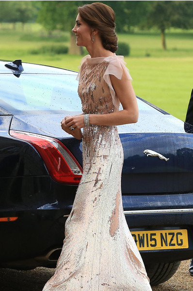 Кейт Миддлтон решилась на прозрачное платье