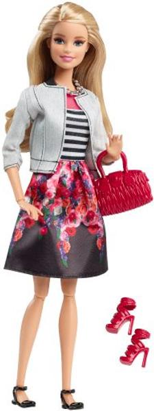Обновленная кукла Барби со ступнями на шарнирах
