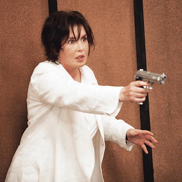 В «Последнем уроке» (2009 год) учительница, которую играет Аджани, наводит дисциплину при помощи пистолета.