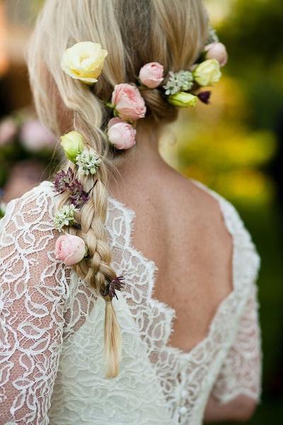 Как украсить цветами свадебную прическу?   галерея [2] фото [5]