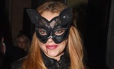 Линдси Лохан выбрала развратный костюм для Хеллоуина