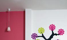 Наклейки для стен: меняем интерьер за 5 минут