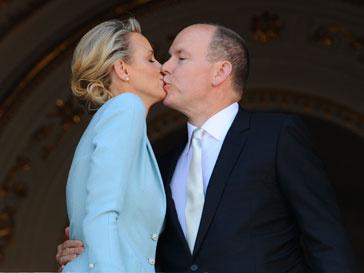 принц Альбер, Монако, Шарлен Уиттсток, свадьба, королевская свадьба