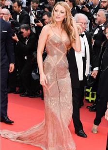 Блейк Лайвли в Versace