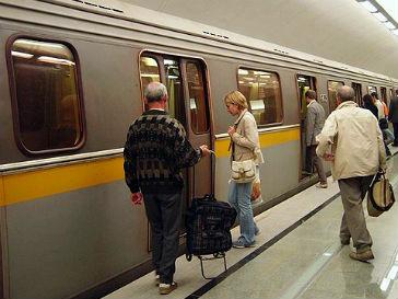 В Московском метрополитене утром 26 октября тушили пожар