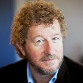 Себастьян Чарльз Фолкс, английский писатель, кавалер ордена Британской империи за заслуги в литературе (2002). Сегодня Фолкс – один из самых читаемых в мире британских авторов.