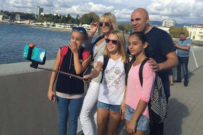 Валерия и Иосиф Пригожин с поклонниками фото