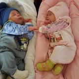 Это наши малыши - Егор и Яночка из г.Ульяновска! Не дожидаясь прогулки уснули на своих одеялках:)